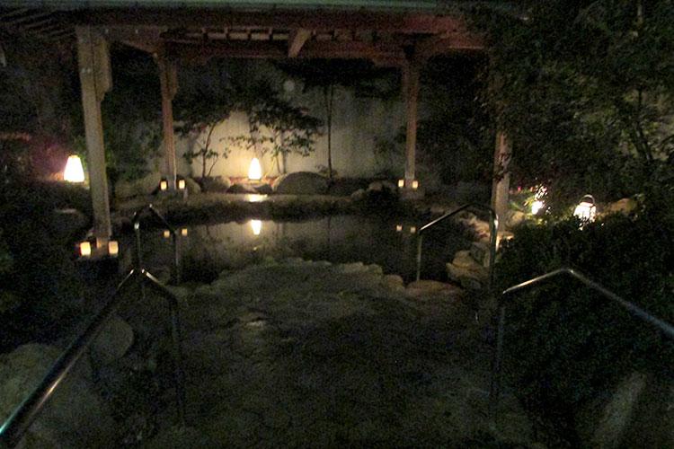 キャンドル露天風呂 南アルプス釜無川温泉 むかわの湯