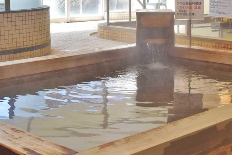 檜風呂(男湯) 南アルプス釜無川温泉 むかわの湯